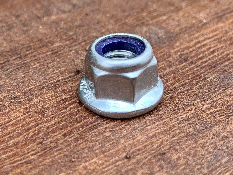 CM002N Flanged Nyloc M8 Nut