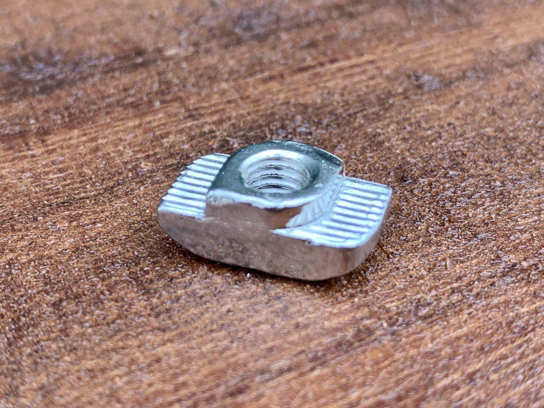 FCH0125A M6 Twisty Drop in Nut